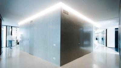 Fußboden Erneuern Beton ~ Renovierung der innenbereiche mit böden in beton mit geringer stärke